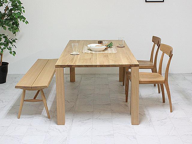 楢(ナラ)材のシンプルダイニングテーブル