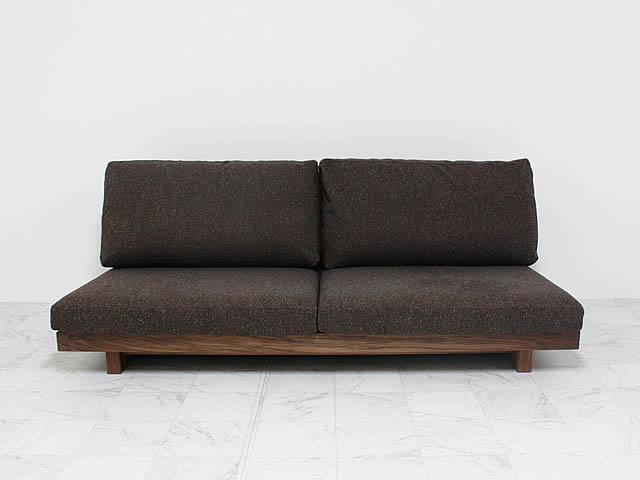 3人掛けタイプのソファ背クッションはふかふか