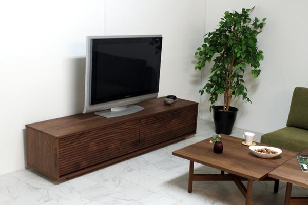 ウォールナットのシンプルモダンなTVボード