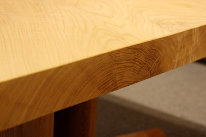 一枚板テーブルの年輪