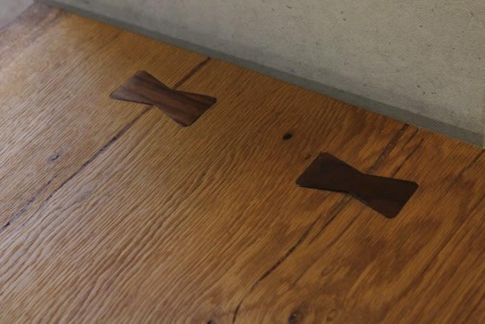 ナラ材一枚板天板、契(ちぎり)