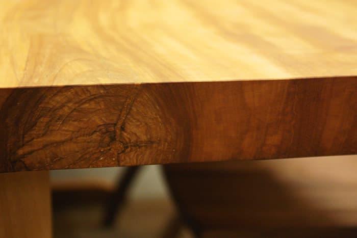 栃(とち)のダイニングテーブル木目