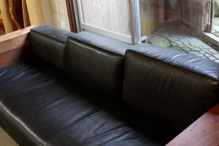 ウォールナット材、オイルレザーソファー座り心地がよい